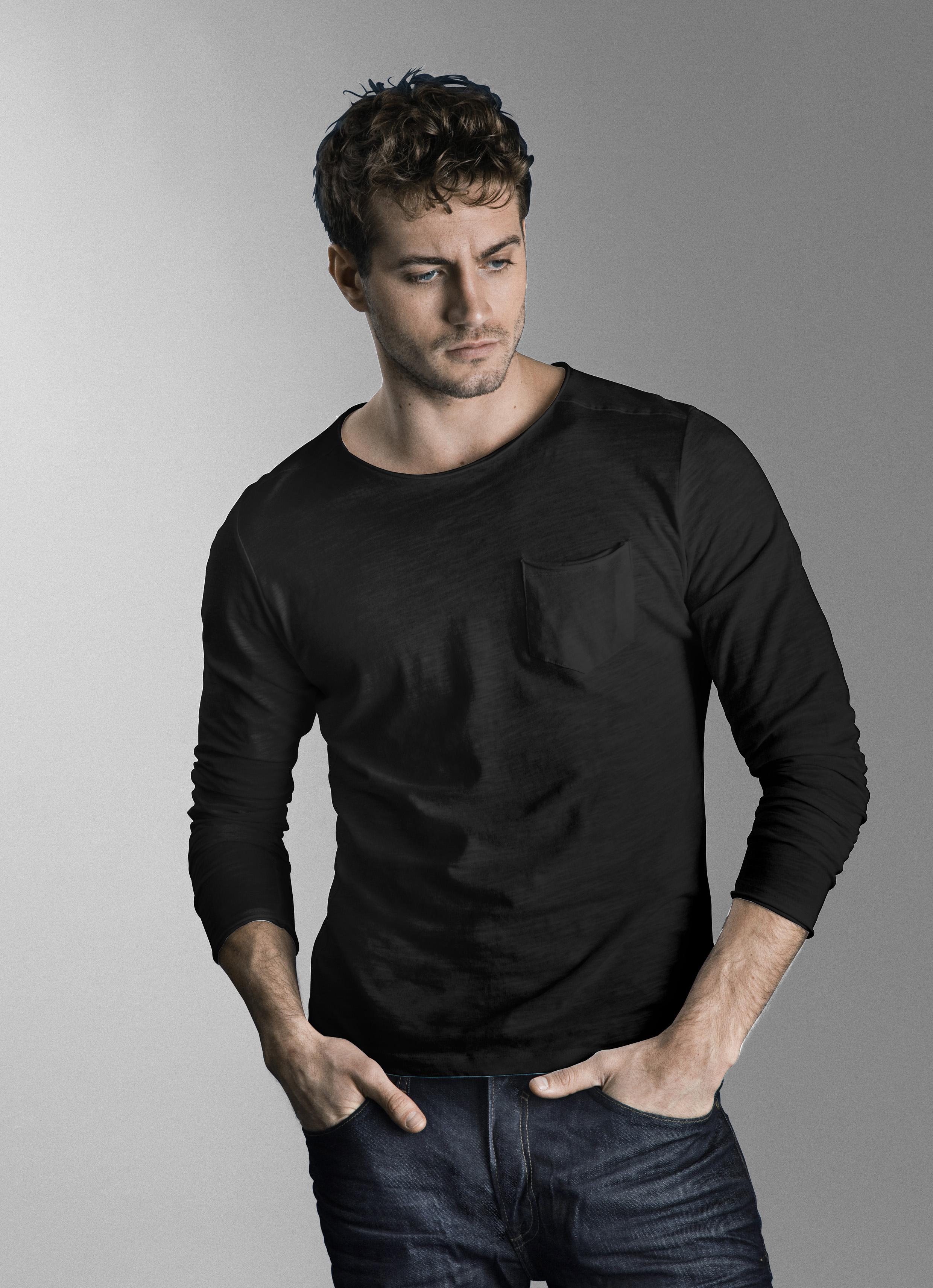 Black Langærmet T-shirt – Køb Black Langærmet T-shirt fra str. S-3XL her