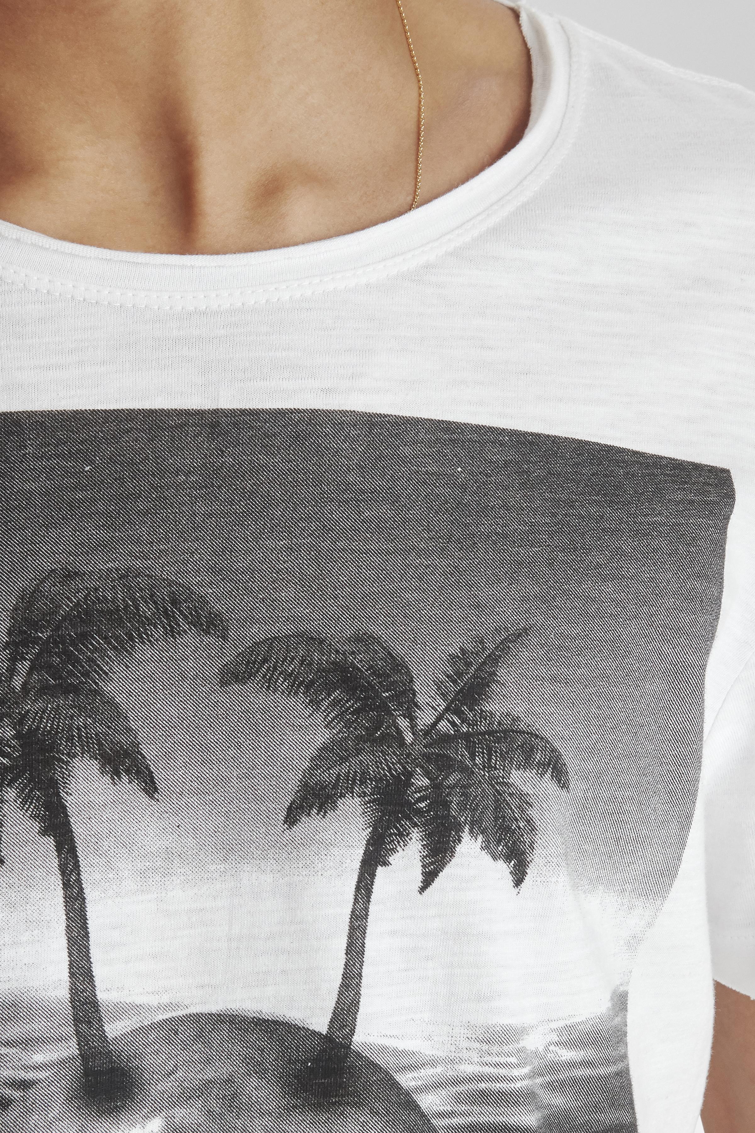 White T-shirt – Køb White T-shirt fra str. S-XL her